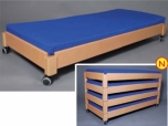 Dětská postel postýlka lehátko lůžko stohovatelná dřevěná 149x65 cm pojízdná s kolečky 0D410