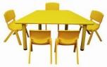 Dětský plastový lichoběžníkový stůl 5709