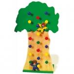 Lezoucí medvědi na stromě  547244