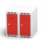 Nástavec na šatní plechovou skříň dvoudílný, dvoudveřový na soklu N1A 25 2 1 O (modul 50 cm)